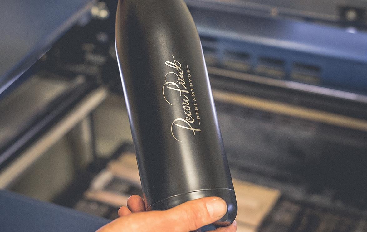 Flaska med lasergravyr