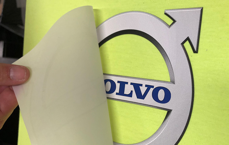 Transfertryck med volvo logo på textil